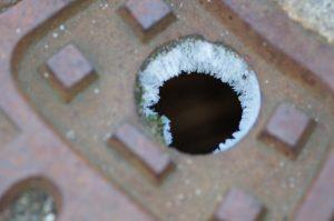 Frozen drain causing problem in winter